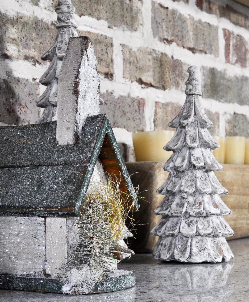 kitchen-counter-christmas-decor