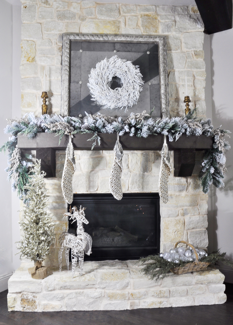 beautiful-christmas-mantle