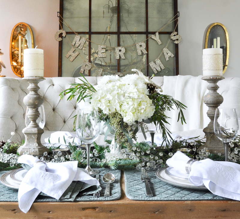 beautiful-christmas-tablescape