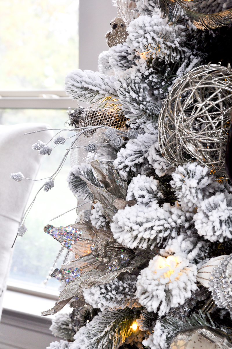 beautifully-decorated-flocked-christmas-tree_