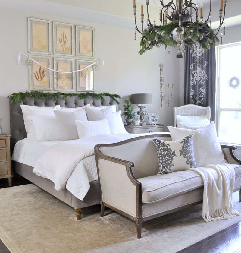 christmas-bedroom-white-and-gray-so-elegant