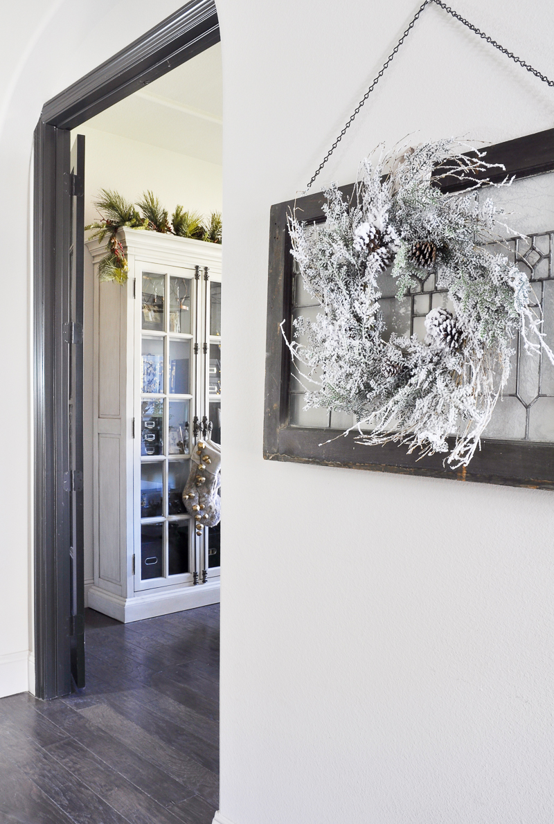 christmas-decorated-hall-with-view-into-office