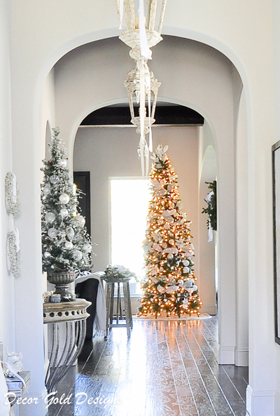 christmas-entry-hall-by-decor-gold-designs-6