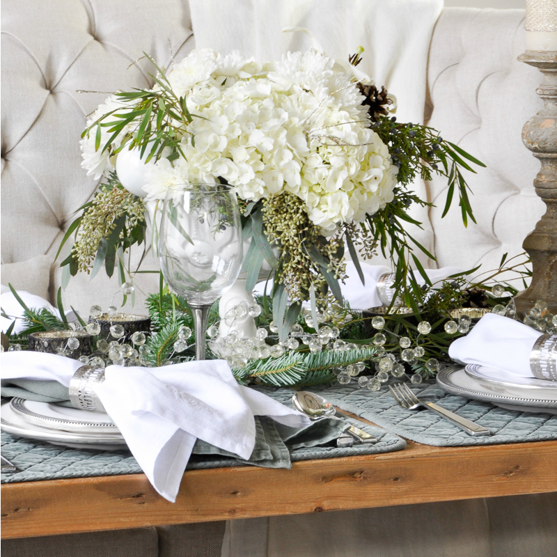 Decor Gold Designs: Classic Christmas Dining Room Tour