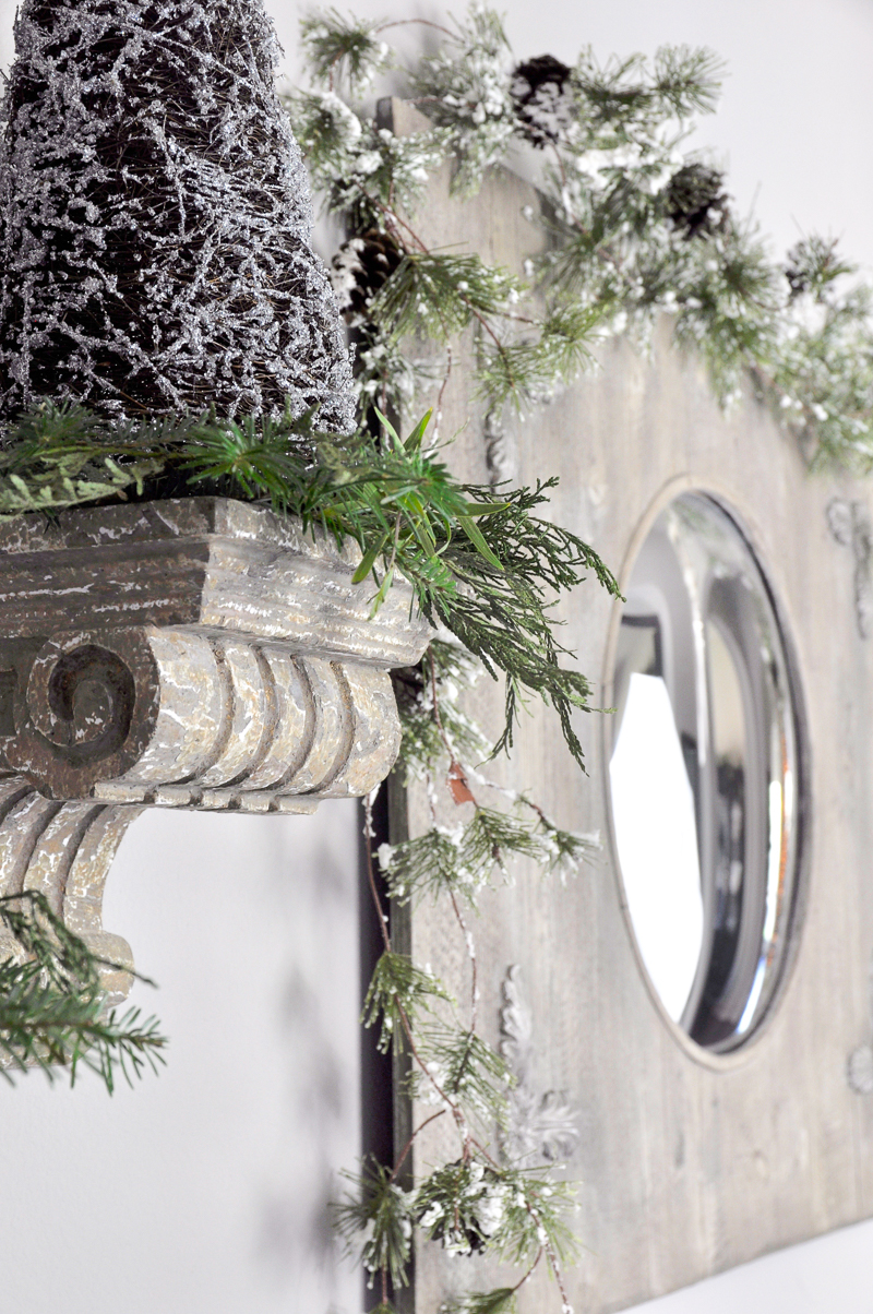 entry-hall-christmas-decorations