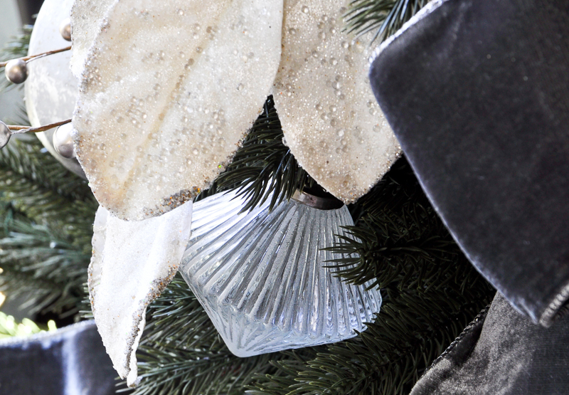 etched-glass-ornament_