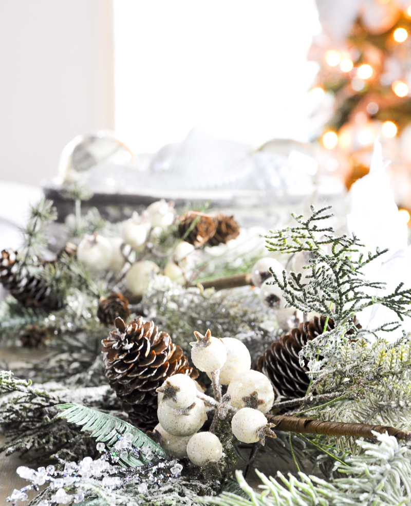 garland-on-sofa-table-so-pretty