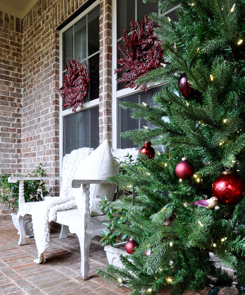 red-and-white-christmas-porch-so-beautiful