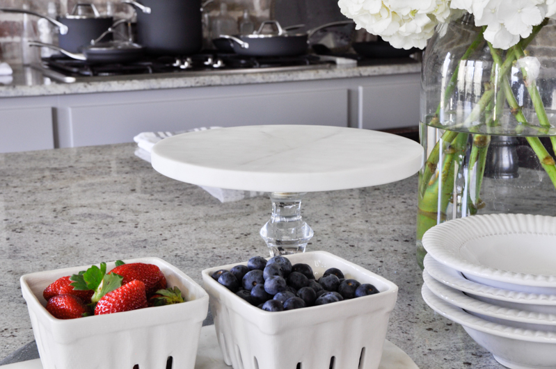 White Marble Cake Stand With Glass Base