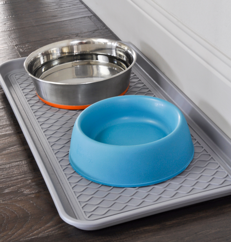 Pet food bowl tray