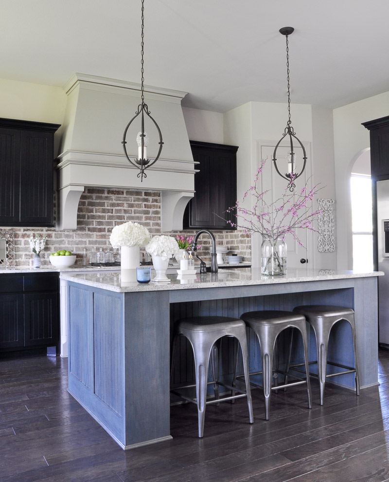 Gold Kitchen Accessories: Fresh Look For Spring In The Kitchen