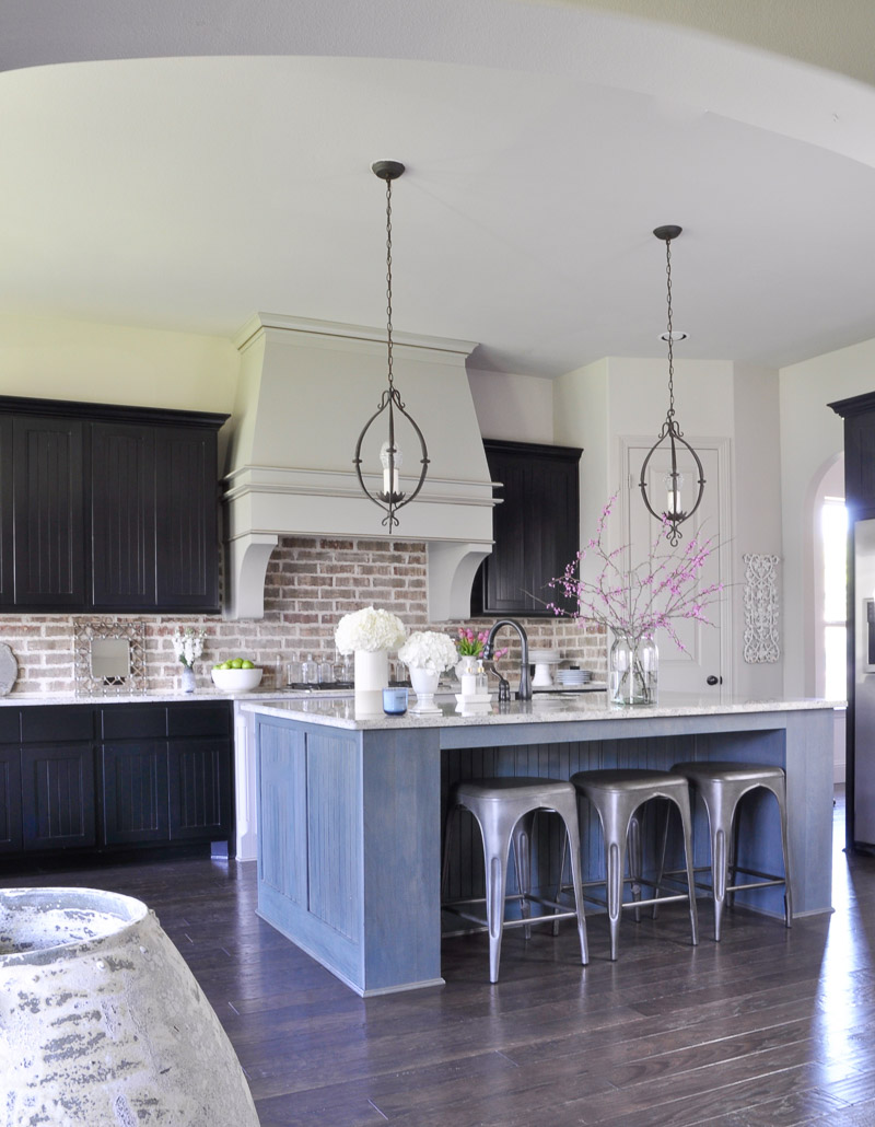 i have been anxious to share my fresh spring kitchen with you and today is the day i am enjoying updating my home room by room for spring - Spring Kitchen