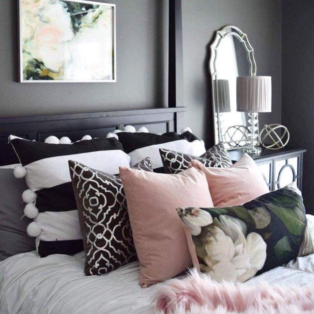 Can you imagine a more beautiful styled bed?? This ishellip