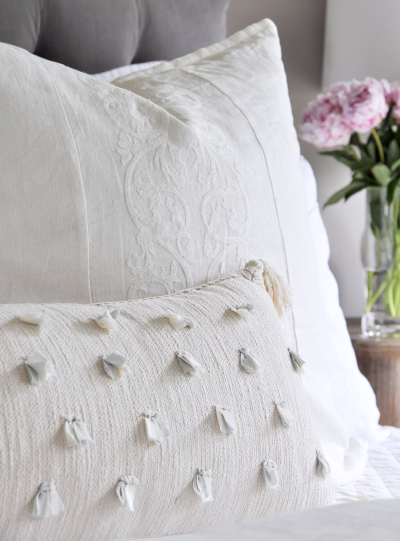 Beautiful Decorative Bed Pillows : Bed styled 3 different ways without a complete makeover