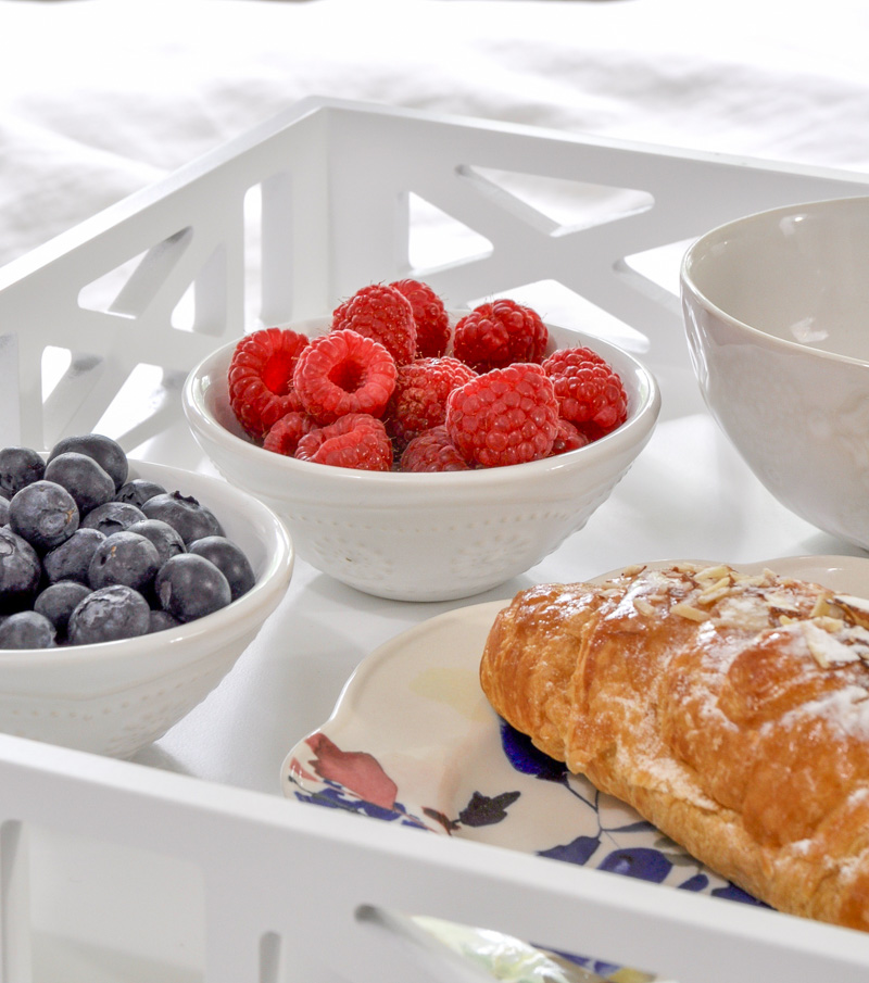 summer breakfast in bed