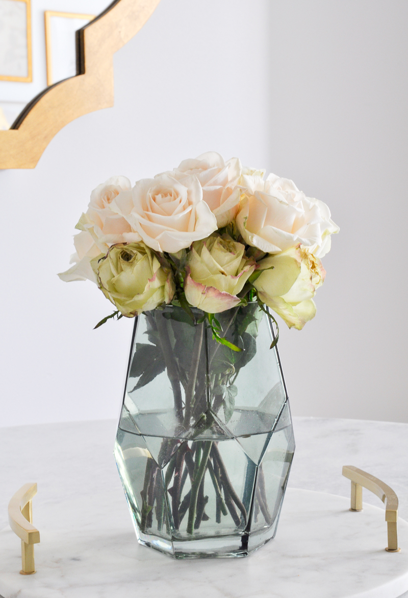 3 ways to arrange roses featuring decor gold designs great tips for arranging rose in a beautiful green vase reviewsmspy