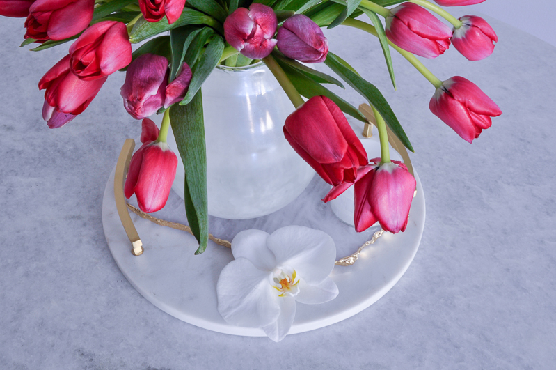 simple tulip arrangement for easter