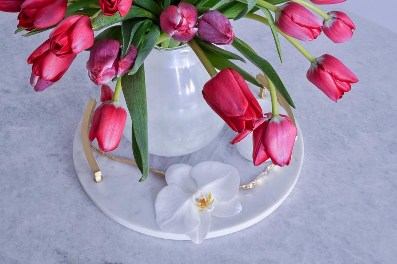 simple tulip arrangement for easter