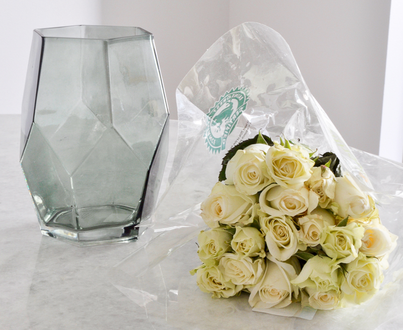 items you need to arrange roses in a glass vase