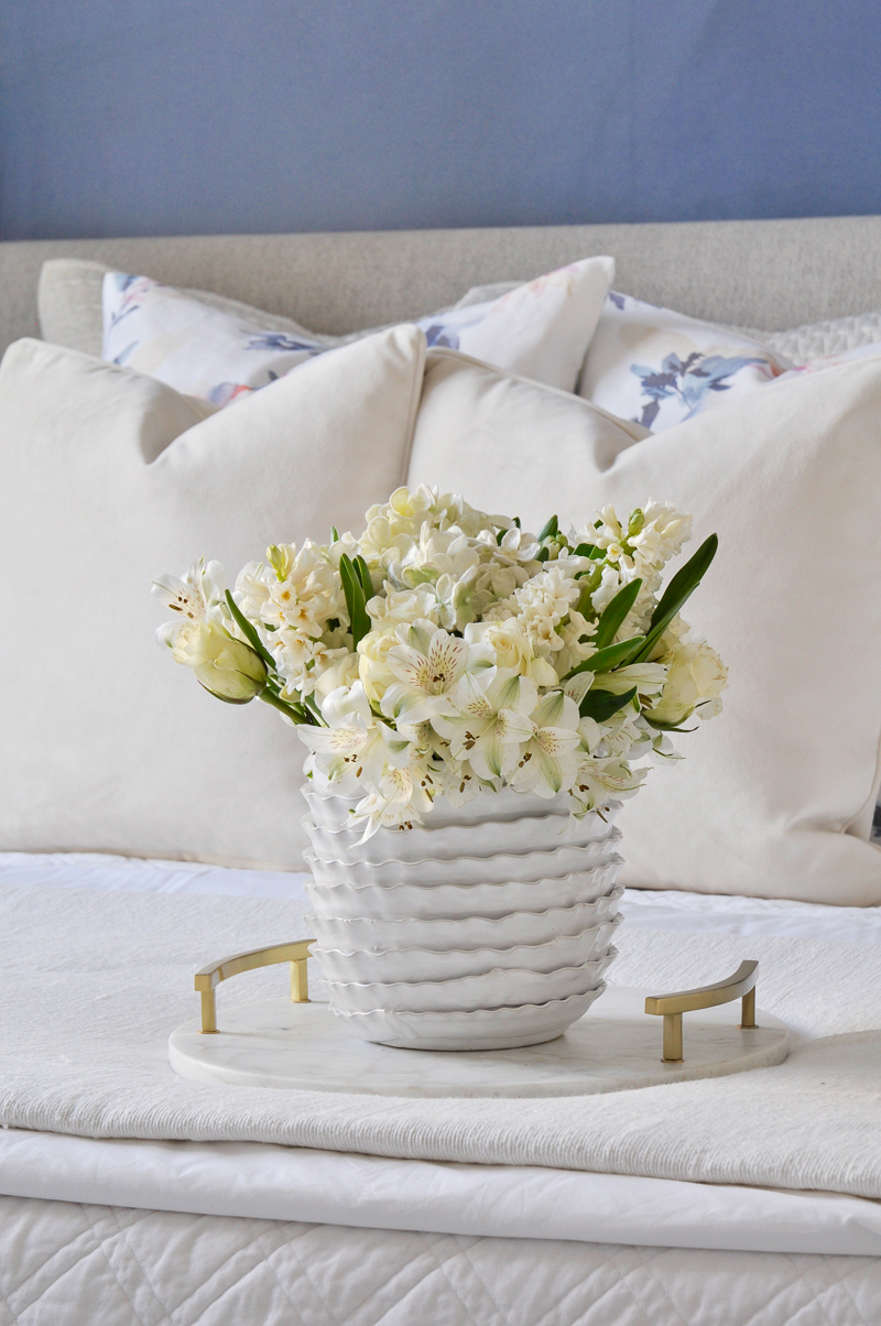 beautiful spring styling ideas in the bedroom