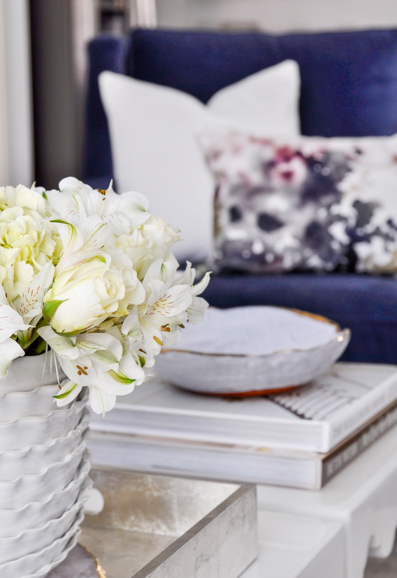 beautiful white living room accessories