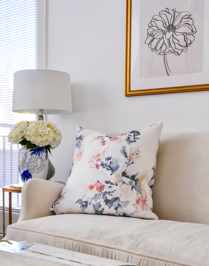 beautiful white living room