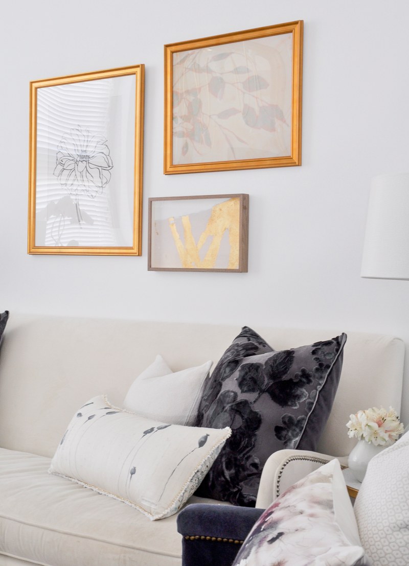 navy and white pillows in gold and white glam living room - Decor ...