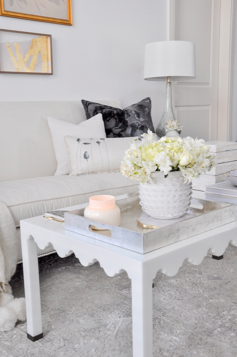 Cute white coffee tables and sofa