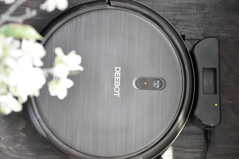 Deebot vacuum cleaner