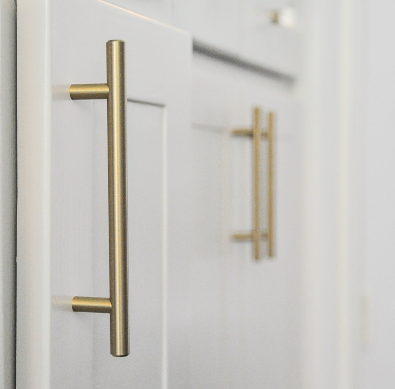 Brass bar pulls kitchen cabinets