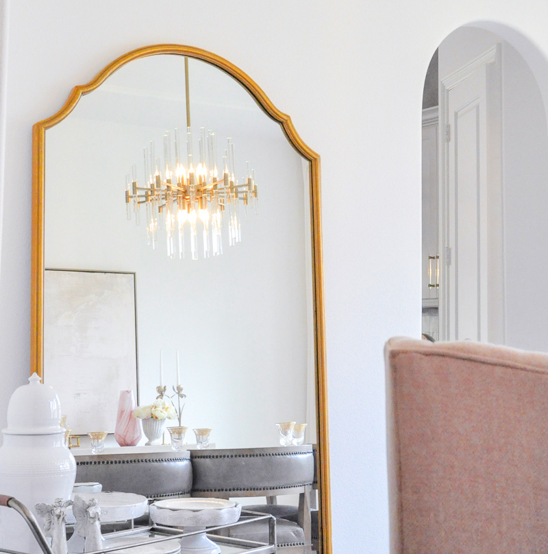 Elegant beautiful dining room floor gold mirror