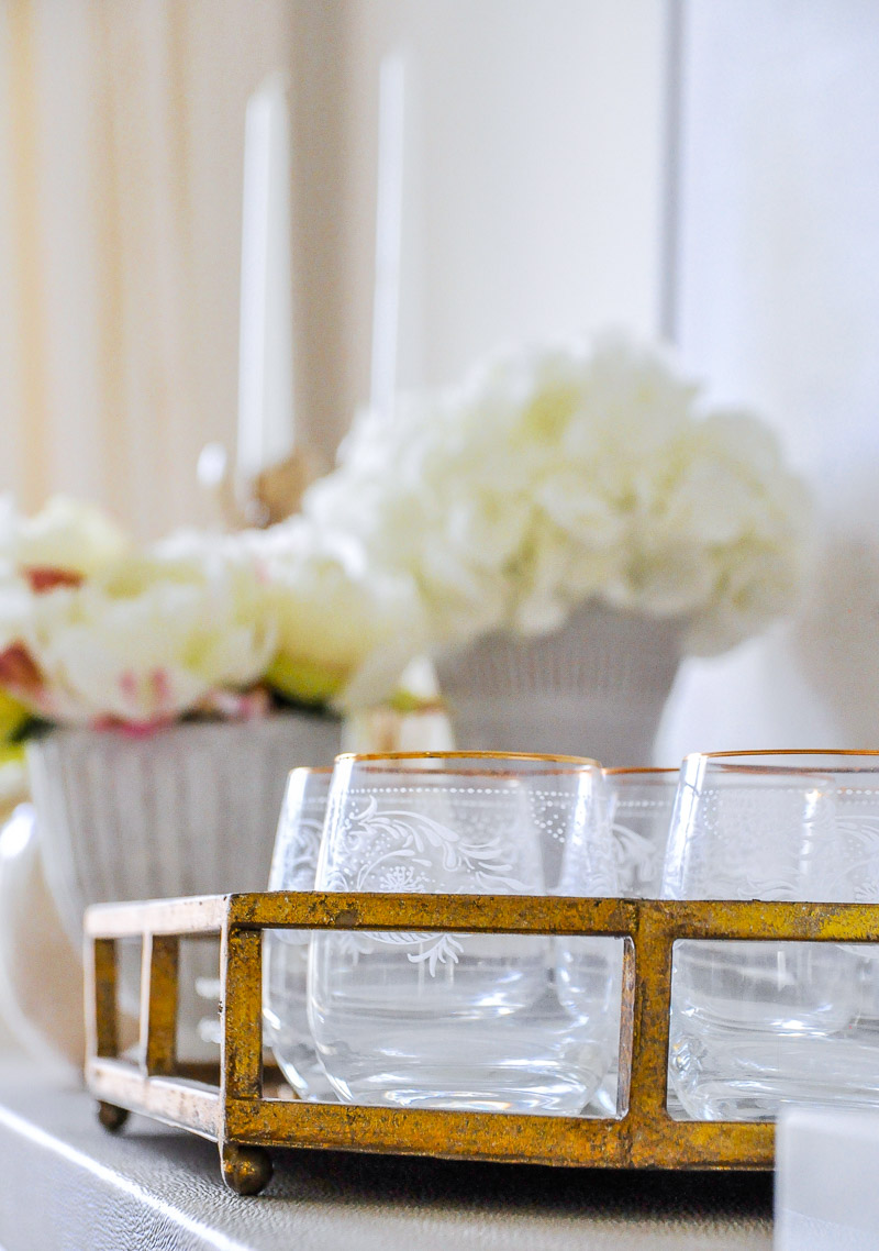 Elegant dining room gold tray
