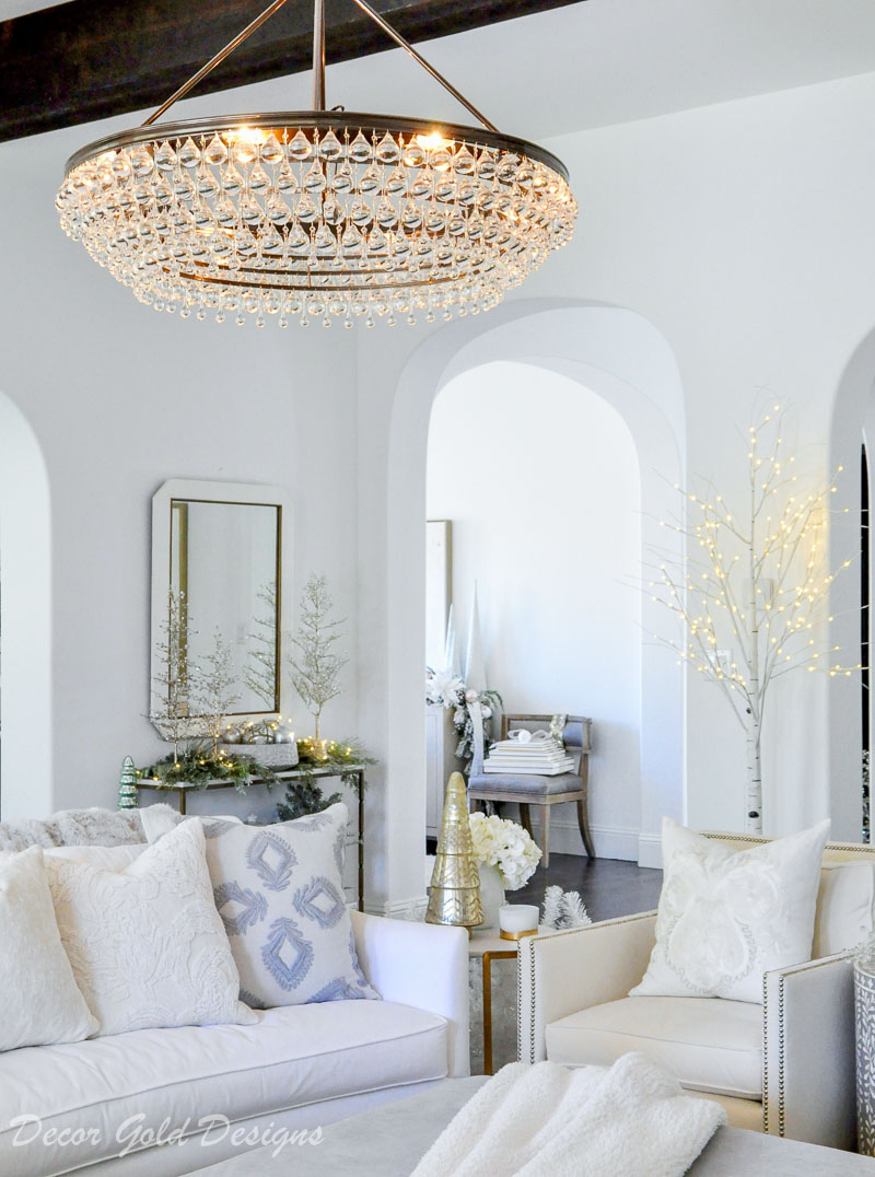 Beautiful chandelier living room