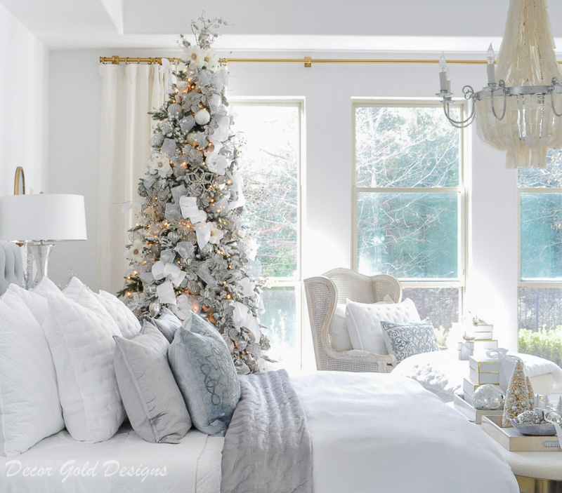 Beautiful Christmas bedrooms tastefully decorated