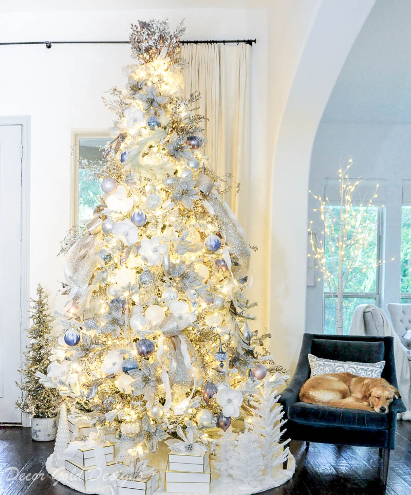 Christmas home tour Gorgeous Christmas tree decorated