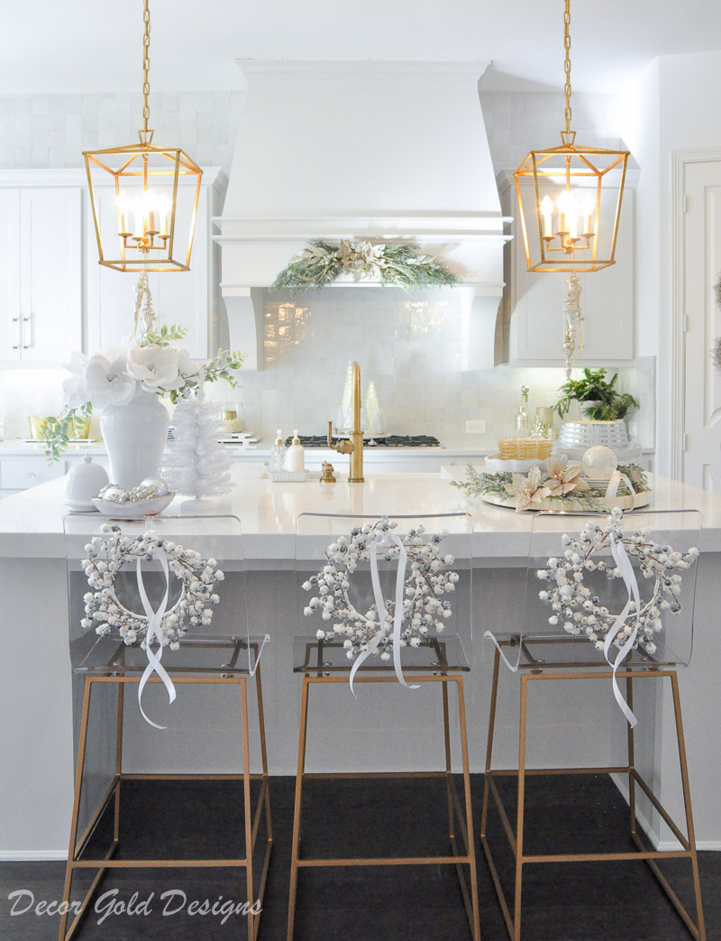 Christmas home tour Gorgeous Christmas kitchen decorated