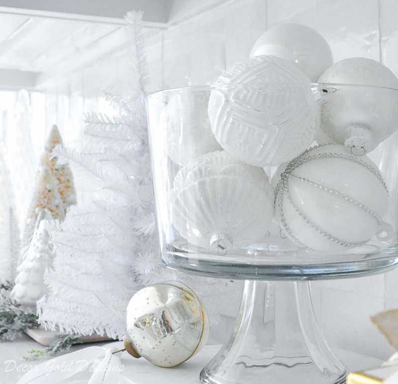 beautiful bright white and gold holiday decor