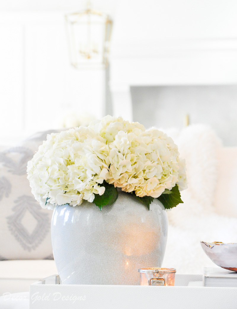 coffee table tray decor round vase hydrangeas