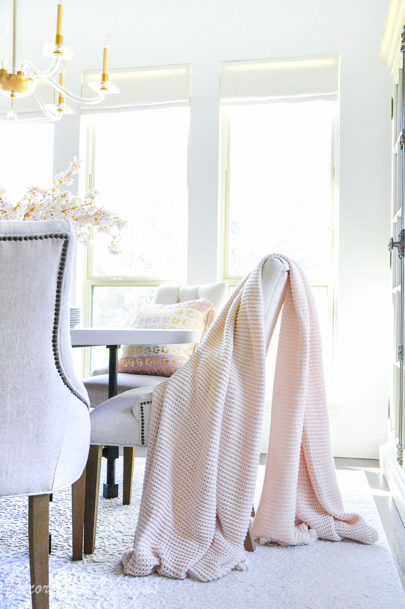 Tassel throw blanket dining chair