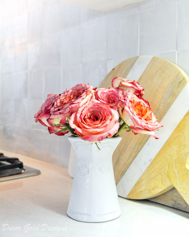 kitchen countertop styling ideas vase flowers
