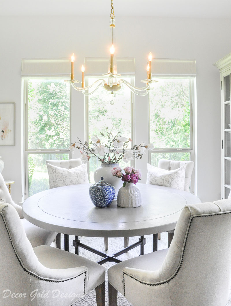 Beautiful summer home tour styled breakfast nook