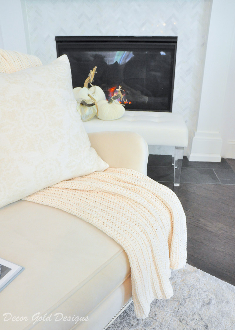 style throw blankets beautifully