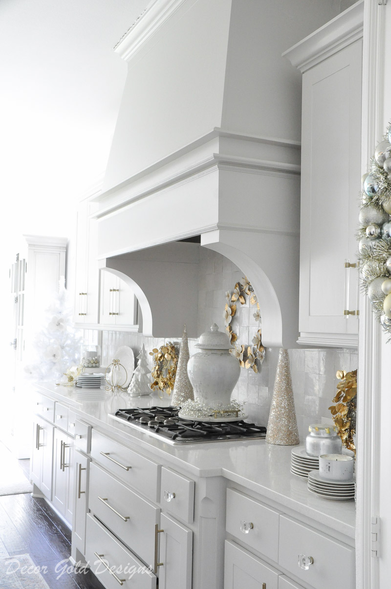 Cheerful Christmas Kitchen