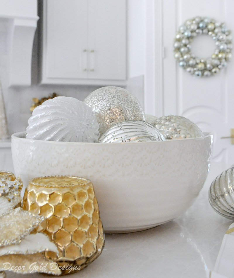 cheerful christmas kitchen bowl ornaments