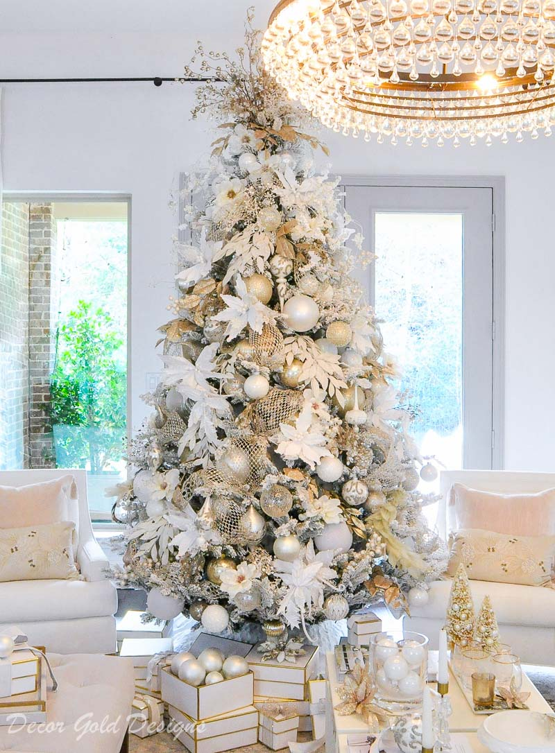 Gorgeous white flocked tree