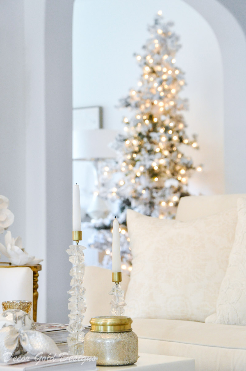 white christmas living room coffee table decor