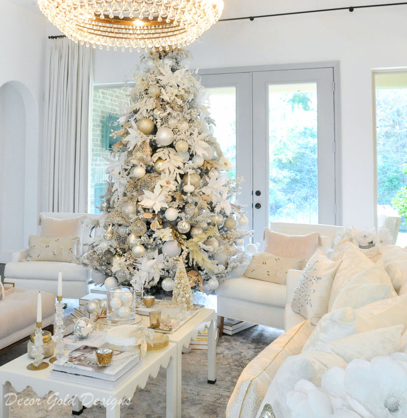 White Christmas living room beautiful coffee table