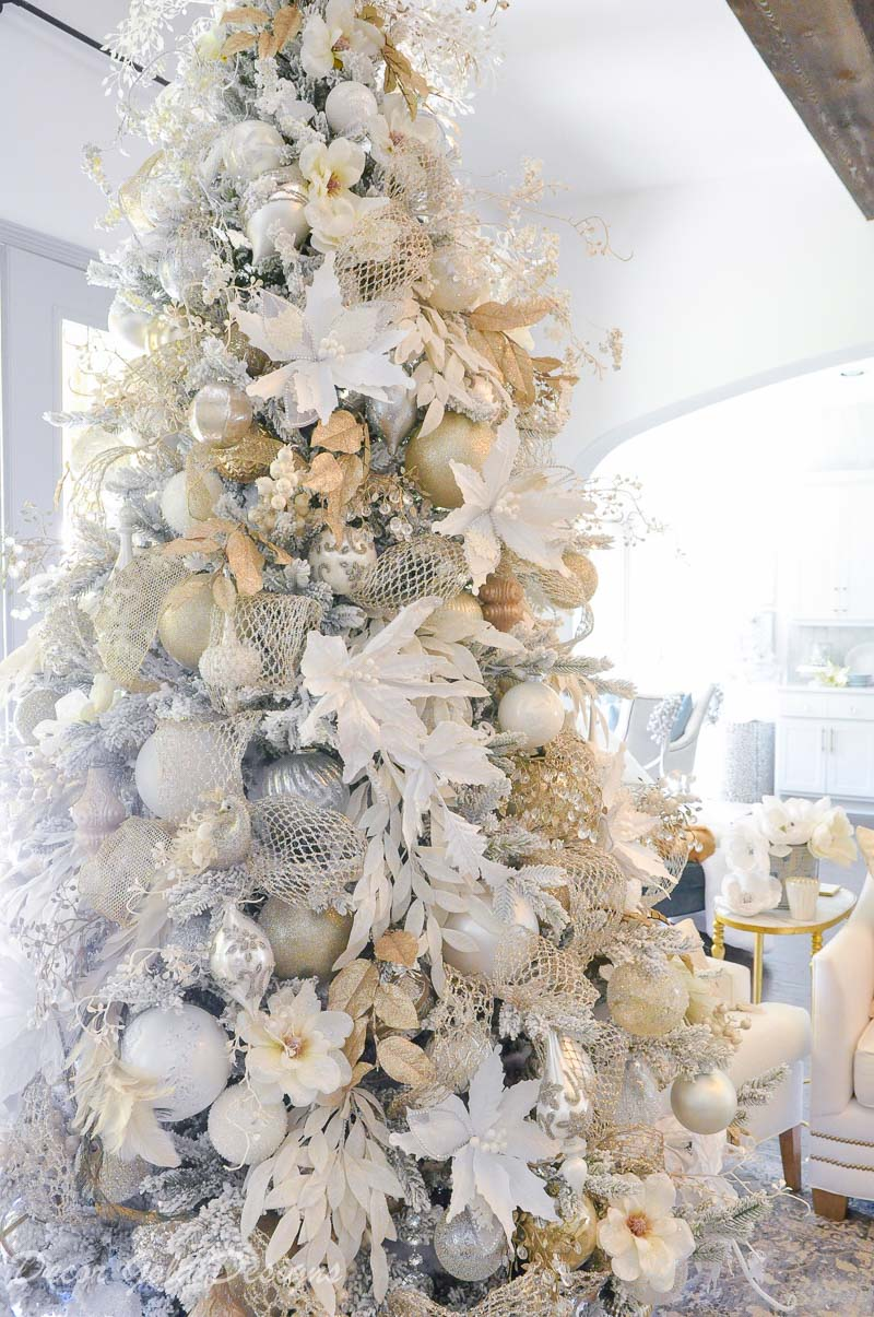 Bright White Christmas Living Room Decor Gold Designs