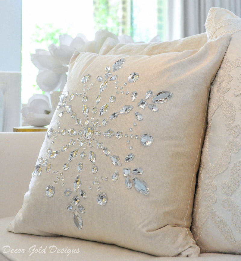 white christmas living room snowflake pillow