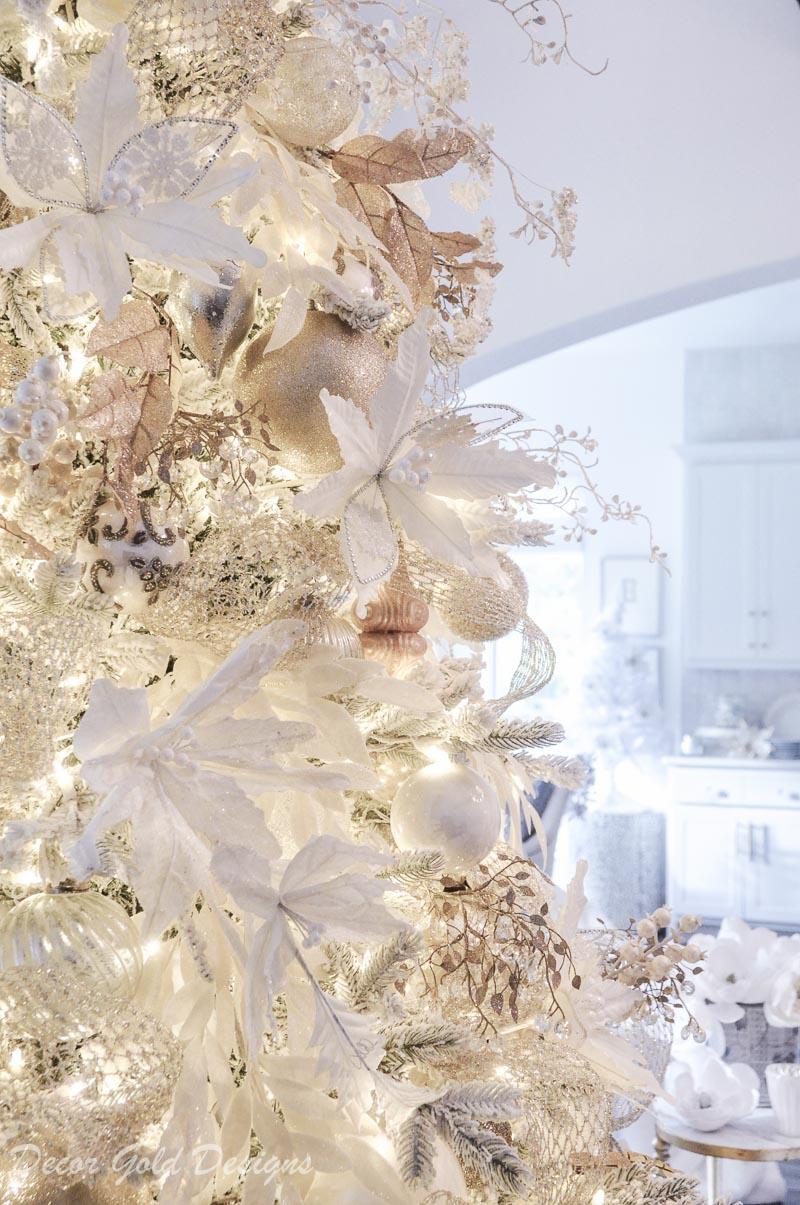 White Christmas living room flocked pre-lit tree